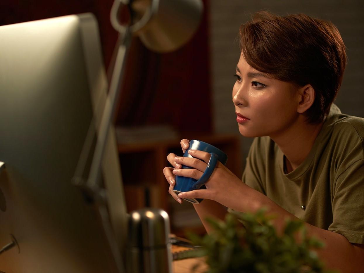 Confused woman wondering what Eczema Herpeticum is